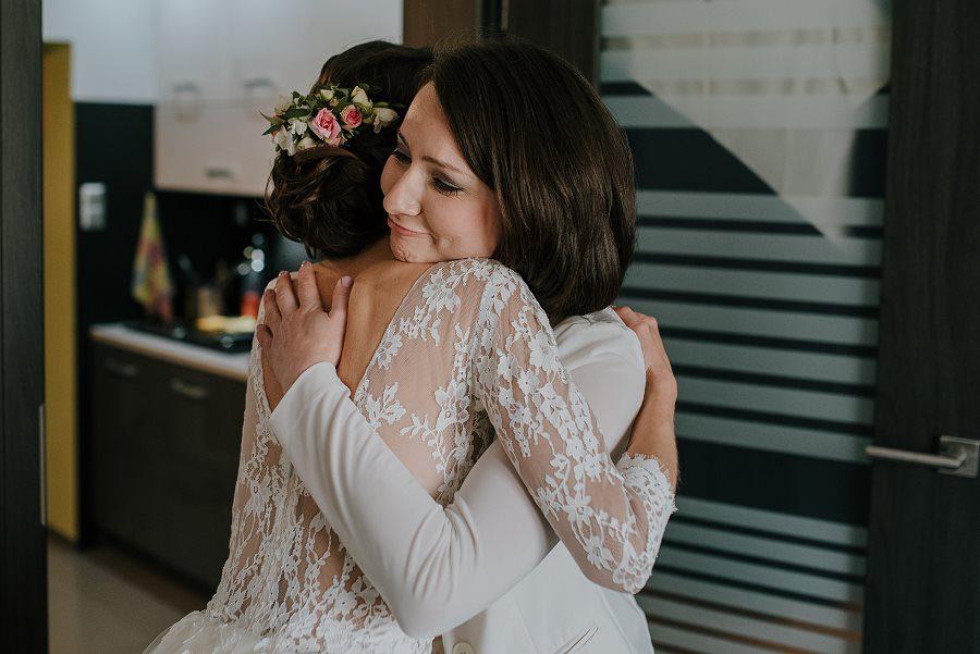 Piękny, wzruszający ślub - Dworek BINKOWSKI Kielce 30