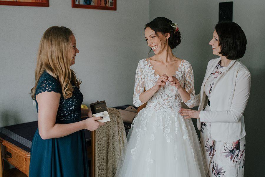 Piękny, wzruszający ślub - Dworek BINKOWSKI Kielce 31