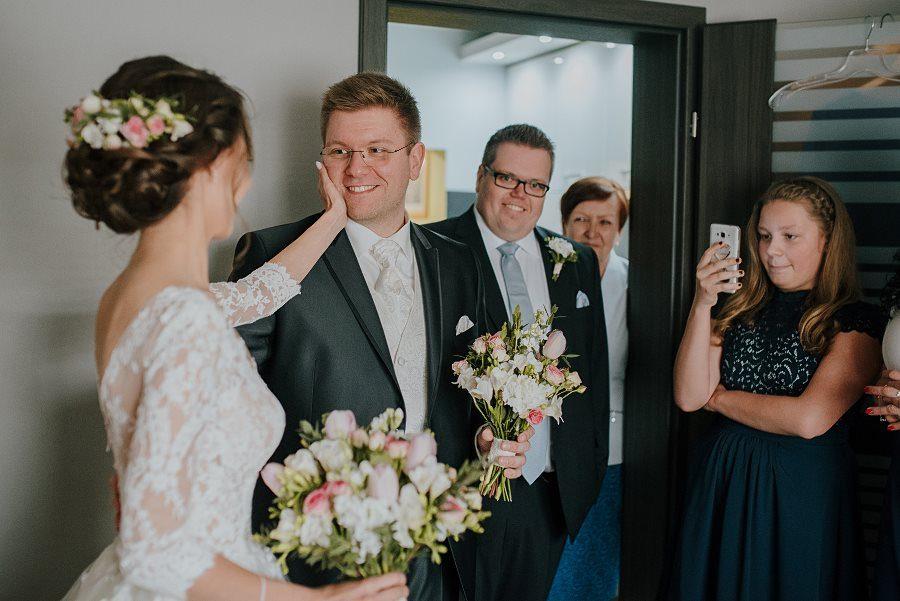 Piękny, wzruszający ślub - Dworek BINKOWSKI Kielce 38