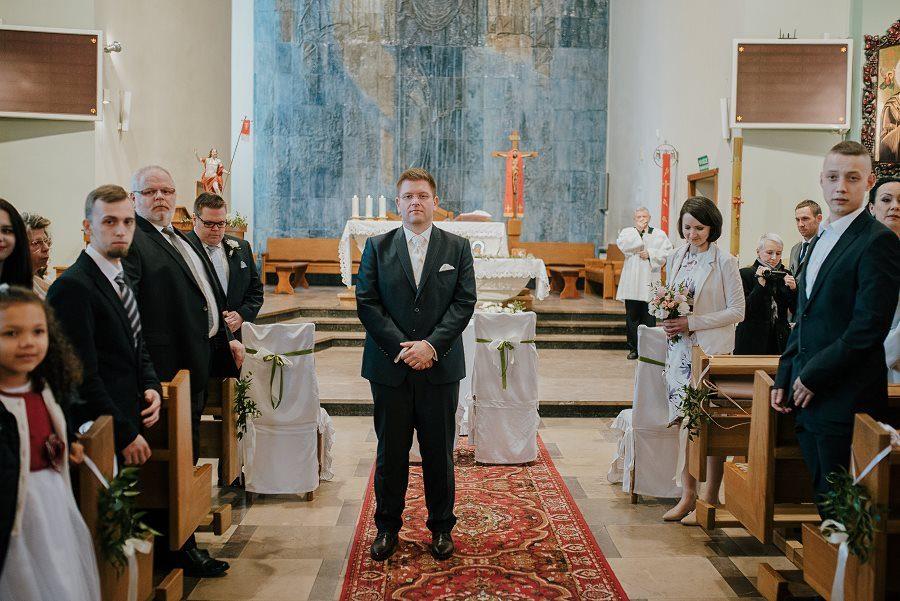 Piękny, wzruszający ślub - Dworek BINKOWSKI Kielce 49