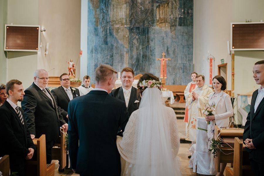Piękny, wzruszający ślub - Dworek BINKOWSKI Kielce 51