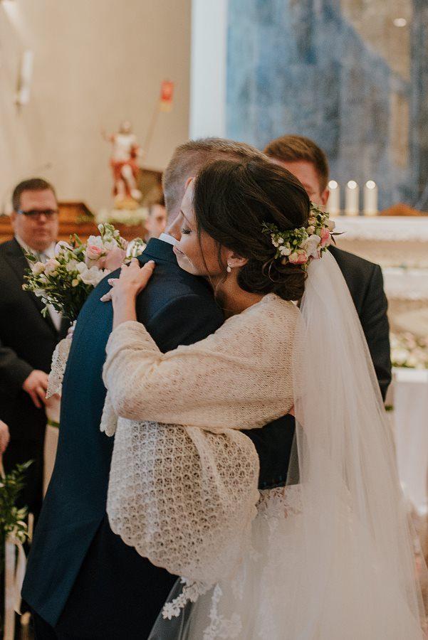 Piękny, wzruszający ślub - Dworek BINKOWSKI Kielce 52