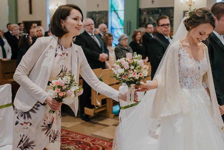 Piękny, wzruszający ślub - Dworek BINKOWSKI Kielce 56