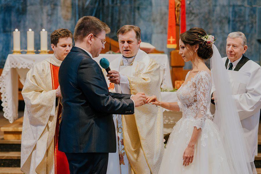 Piękny, wzruszający ślub - Dworek BINKOWSKI Kielce 66