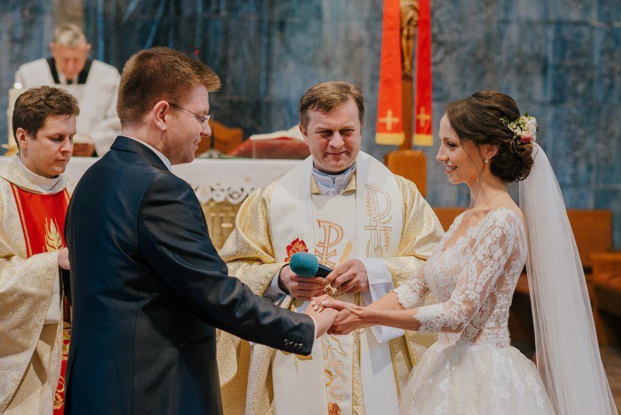 Piękny, wzruszający ślub - Dworek BINKOWSKI Kielce 68