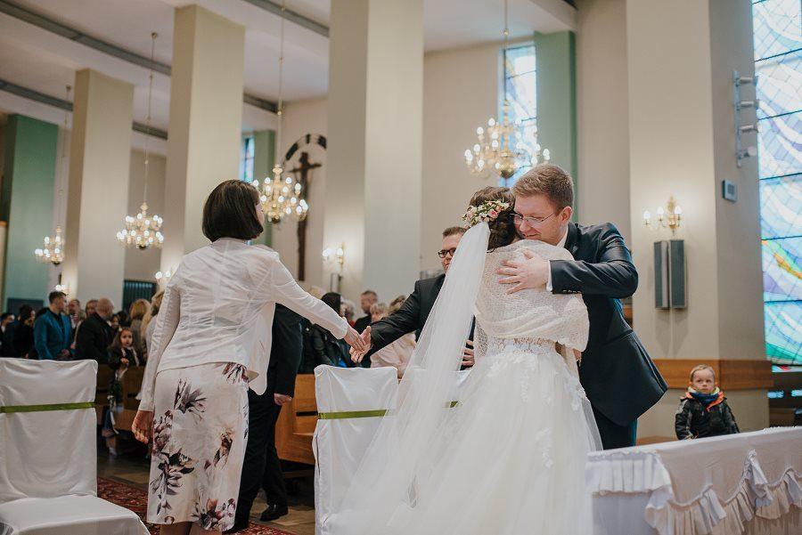 Piękny, wzruszający ślub - Dworek BINKOWSKI Kielce 72