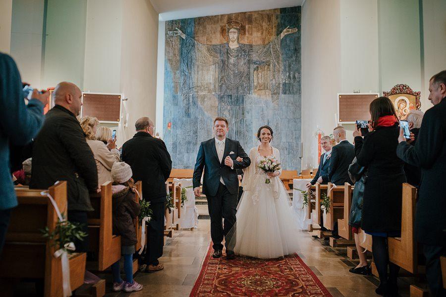 Piękny, wzruszający ślub - Dworek BINKOWSKI Kielce 77