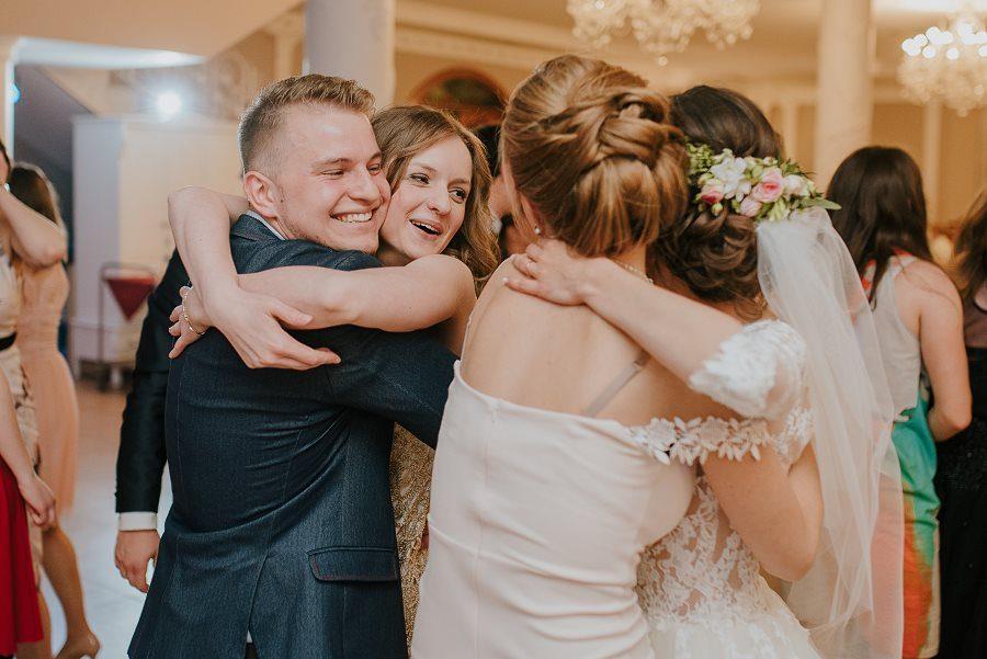 Piękny, wzruszający ślub - Dworek BINKOWSKI Kielce 95