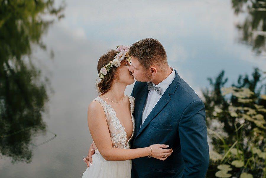Sesja ślubna z huśtawką i łódką - Żurawie Gniazdo, Maleszowa, Kielce 19