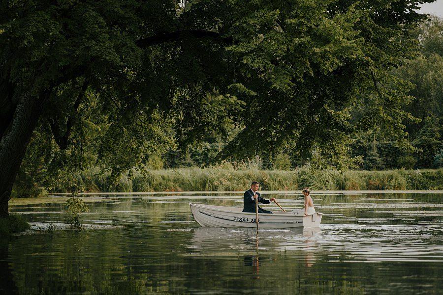 Sesja ślubna z huśtawką i łódką - Żurawie Gniazdo, Maleszowa, Kielce 26