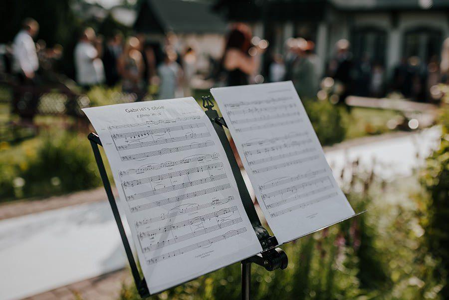 Plenerowy ślub w Kielcach - Dworek w Masłowie 209