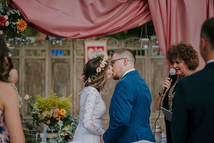 Plenerowy ślub w Kielcach - Dworek w Masłowie 221