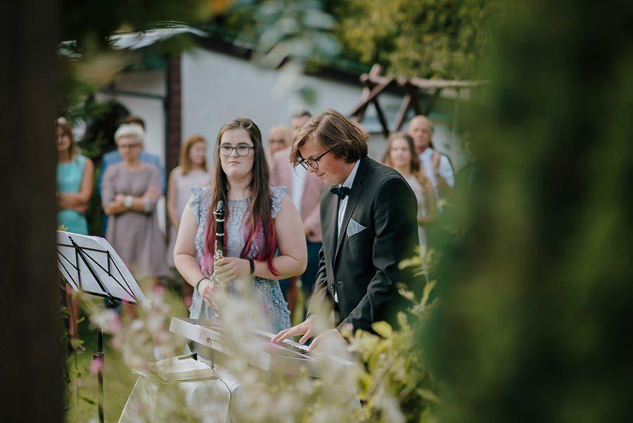 Plenerowy ślub w Kielcach - Dworek w Masłowie 223