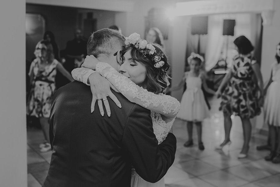 Plenerowy ślub w Kielcach - Dworek w Masłowie 236