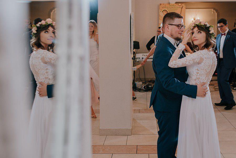 Plenerowy ślub w Kielcach - Dworek w Masłowie 237