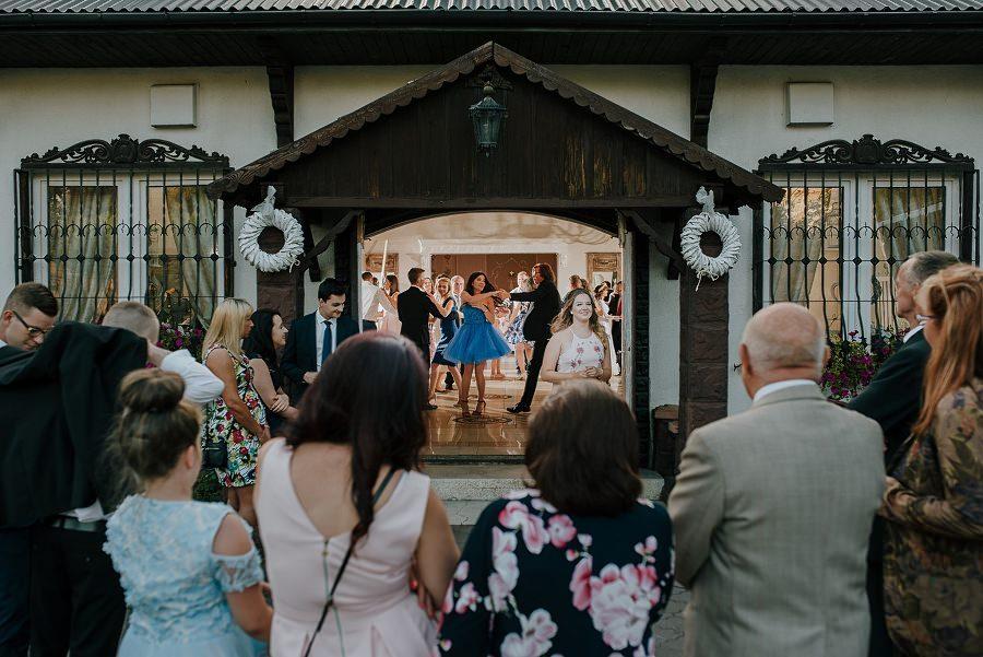 Plenerowy ślub w Kielcach - Dworek w Masłowie 238