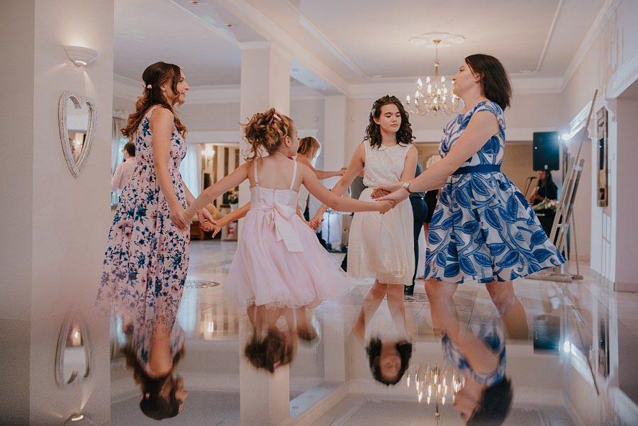 Plenerowy ślub w Kielcach - Dworek w Masłowie 239