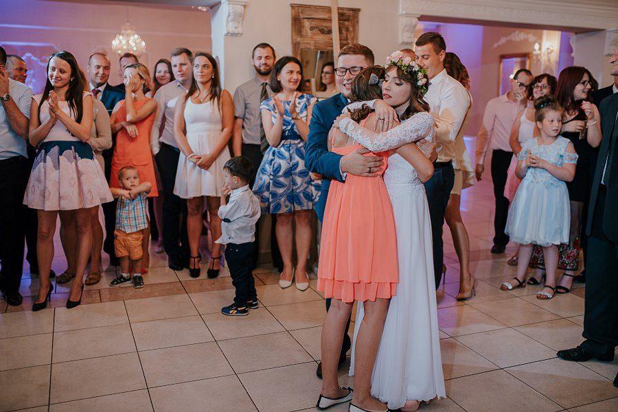 Plenerowy ślub w Kielcach - Dworek w Masłowie 245