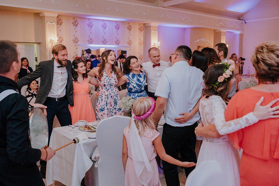 Plenerowy ślub w Kielcach - Dworek w Masłowie 248