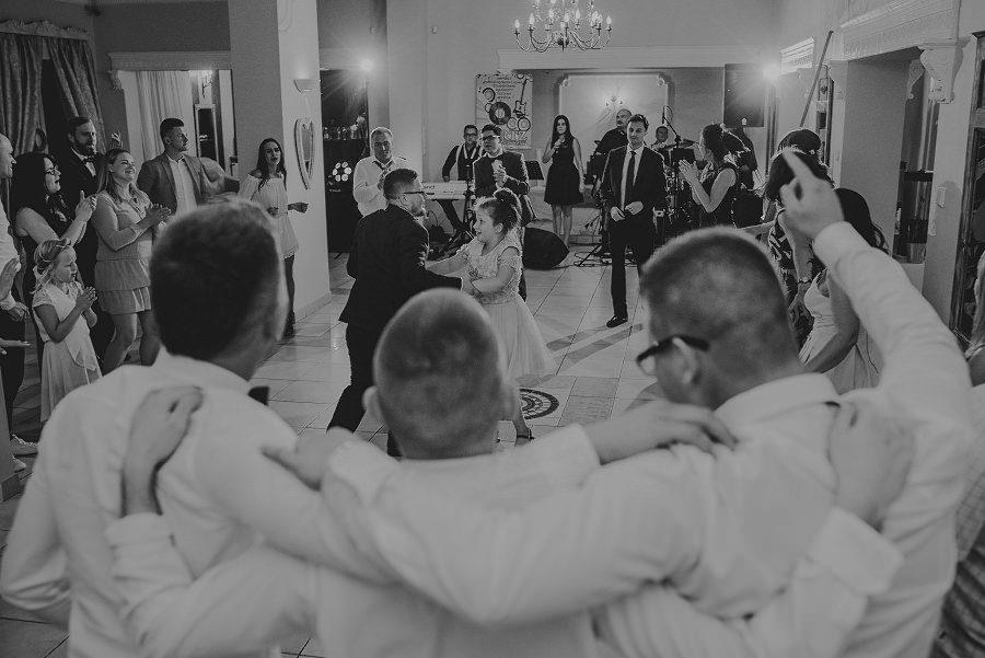 Plenerowy ślub w Kielcach - Dworek w Masłowie 251