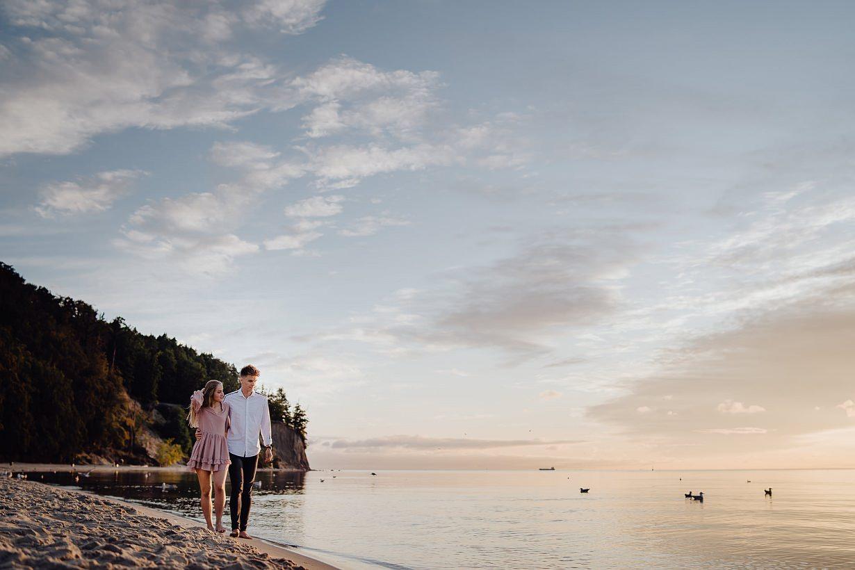 Ada & Kuba - sesja narzeczeńska nad morzem - Klif w Orłowie - Gdynia 11