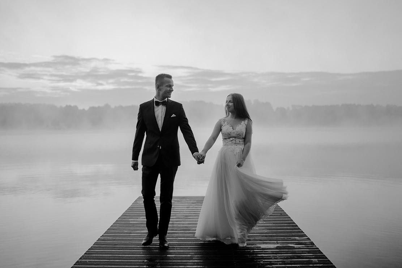 Beata i Andrzej - romantyczna sesja ślubna o wschodzie słońca - Kielce 16
